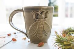 simple bee